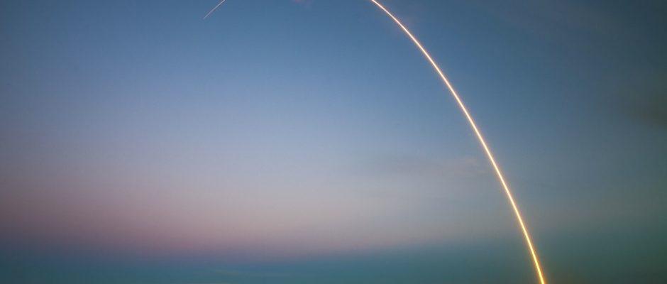 rocket-1245696_960_720